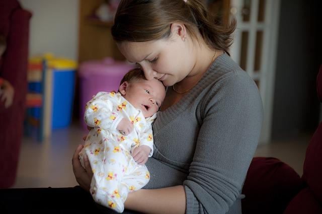 母親と幼子